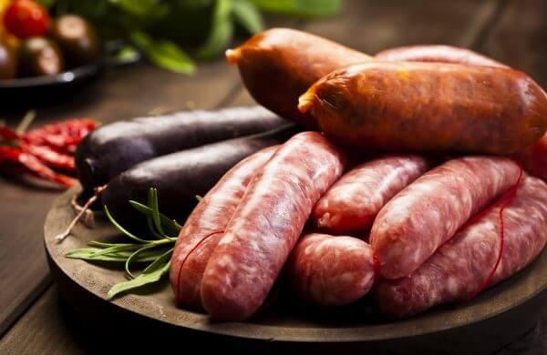 Nos saucisses maison sont offertes dans une variété de saveurs!